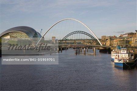 River Tyne with bridges and Sage Hall, Newcastle/Gateshead, Tyne and Wear, England, United Kingdom, Europe