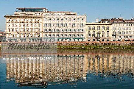 Lungarno Corsini and River Arno, Florence, UNESCO World Heritage Site, Tuscany, Italy, Europe