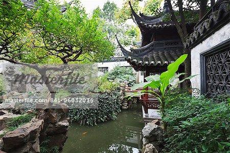 Yu Gardens (Yuyuan Gardens), the restored 16th century gardens are ...