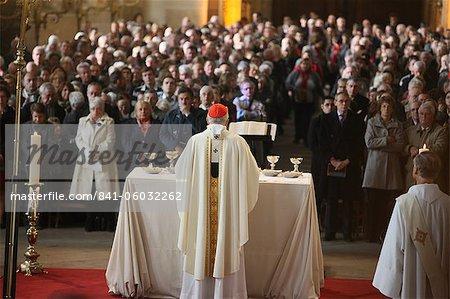 Archbishop celebrating Mass in Saint-Eustache church, Paris, France, Europe