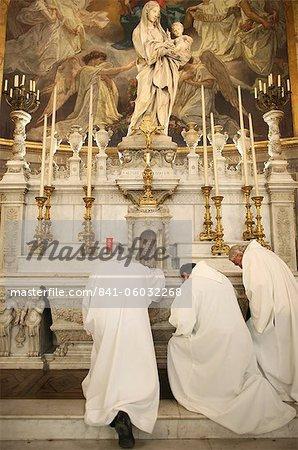 Mass in Saint-Eustache church, Paris, France, Europe