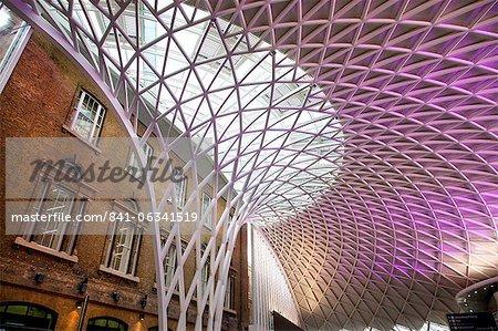 Western concourse of King's Cross Station, London, England, United Kingdom, Europe
