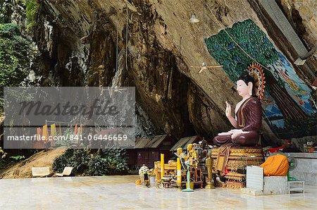 Buddha statue, Tiger Cave Temple (Wat Tham Suea), Krabi Province, Thailand, Southeast Asia, Asia