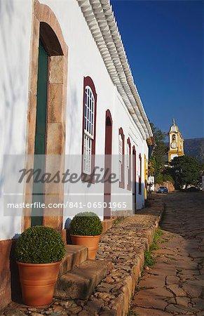 Colonial houses and Matriz de Santo Antonio Church, Tiradentes, Minas Gerais, Brazil, South America