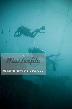 Scuba divers wreck diving, Southern Thailand, Andaman Sea, Indian Ocean, Southeast Asia, Asia