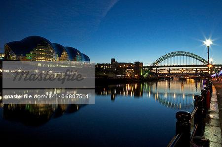 Gateshead Quays with Sage Gateshead and Tyne Bridge at night, Tyne and Wear, England, United Kingdom, Europe