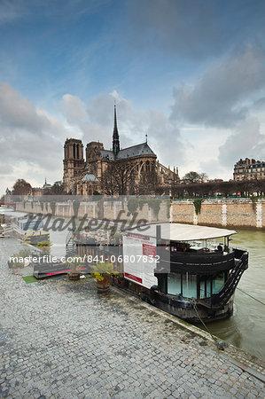 Notre Dame de Paris cathedral and the River Seine, Paris, France, Europe