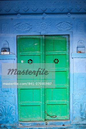 Green door and blue walls, Jodhpur, Rajasthan, India, Asia