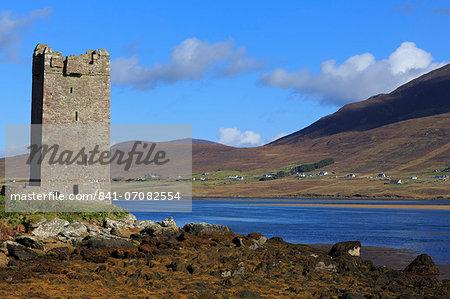 Kildownet Castle on Achill Island, County Mayo, Connaught (Connacht), Republic of Ireland, Europe