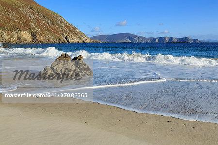 Keem Beach on Achill Island, County Mayo, Connaught (Connacht), Republic of Ireland, Europe
