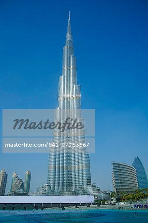 Burj Khalifa tower, at 828m the highest tower in the world, Dubai, United Arab Emirates, Middle East
