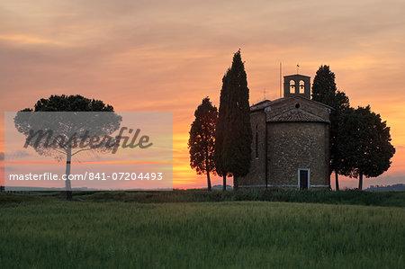 Cappella di Vitaleta, Val d'Orcia, UNESCO World Heritage Site, Tuscany, Italy, Europe