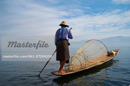 Fisherman on Inle Lake, Shan State, Myanmar (Burma), Asia