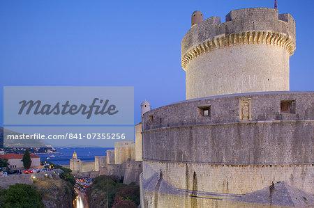 Minceta Fort and Old Town Walls at dusk, UNESCO World Heritage Site, Dubrovnik, Dalmatia, Croatia, Europe