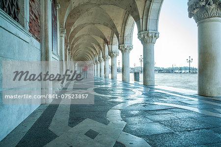 Arches of Doge's Palace, Venice, UNESCO World Heritage Site, Veneto, Italy, Europe