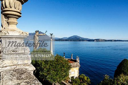 The Borromeo's Palace and gardens on Isola Bella, Borromean Islands, Lake Maggiore, Italian Lakes, Piedmont, Italy, Europe