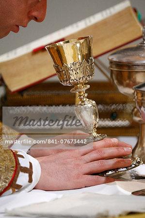Eucharistic liturgy, Villemomble, Seine-Saint-Denis, France, Europe