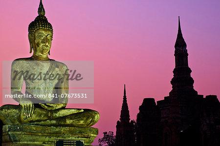 Wat Mahatat, Sukhothai Historical Park, UNESCO World Heritage Site, Sukhothai, Thailand, Southeast Asia, Asia