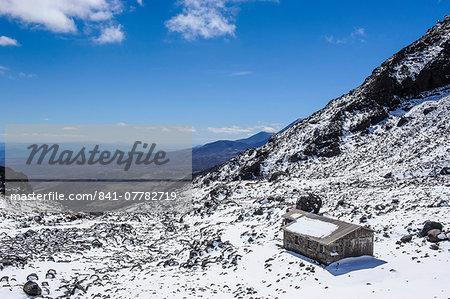Ski cottage on Mount Ruapehu, Tongariro National Park, UNESCO World Heritage Site, North Island, New Zealand, Pacific