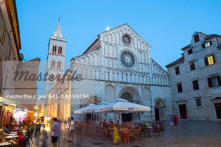 The Cathedral of St. Anastasia (Katedrala sv Stosije) illuminated at dusk, Stari Grad (Old Town), Zadar, Dalmatia, Croatia, Europe