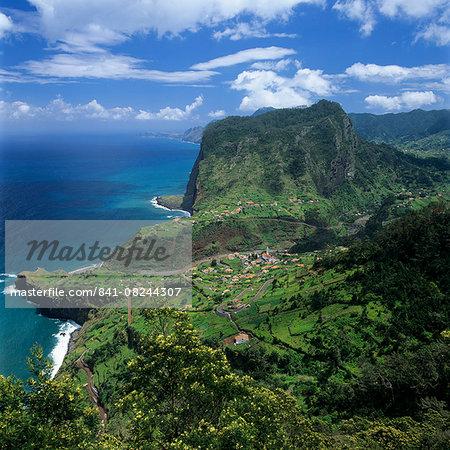 Eagle Rock (Penha de Aguia), Faial, Madeira, Portugal, Atlantic, Europe