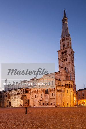 Modena Cathedral and Piazza Grande, UNESCO World Heritage Site, Modena, Emilia-Romagna, Italy, Europe