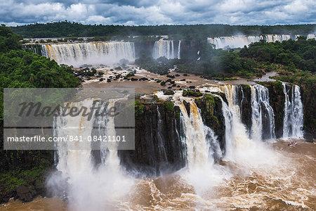 Iguazu Falls (Iguacu Falls) (Cataratas del Iguazu), UNESCO World Heritage Site, Argentinian side een from the Brazilian side, border of Brazil Argentina and Paraguay, South America