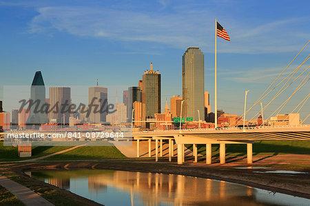 Trinity River and skyline, Dallas, Texas, United States of America, North America