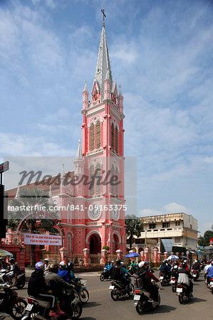 Church of the Sacred Heart of Jesus (Nha Tho Tan Dinh), Ho Chi Minh City, Vietnam, Indochina, Southeast Asia, Asia