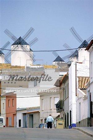 Castilla-la Mancha, Campo de Criptana, view on the windmills from town.