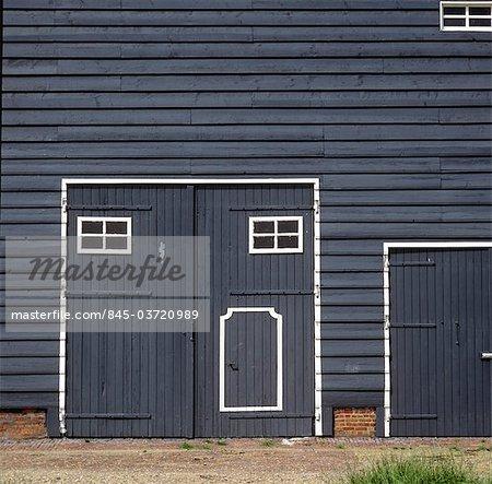 Zeeland, Zeeuws-Vlaanderen, traditional style barn at a farm near Terneuzen.