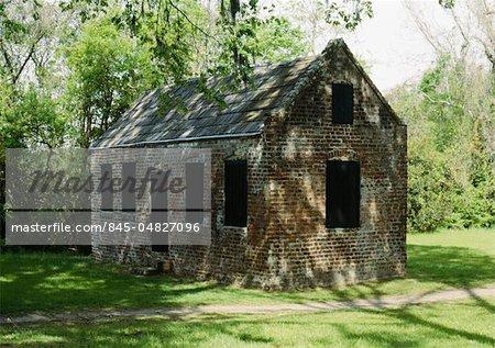 Slave cabins, plantation estate, Boone Hall near Charleston, South Carolina.
