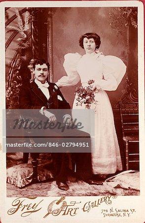 1900s SEPIA PORTRAIT - COUPLE