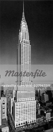 1930 1930s TALL NARROW VERTICAL VIEW OF CHRYSLER BUILDING LEXINGTON AVENUE 42ND STREET NEW YORK CITY MANHATTAN ART DECO STYLE ARCHITECTURE