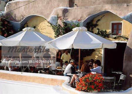 Bar,Oia,santorine,greece