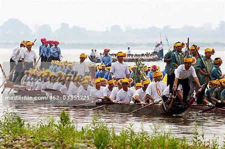 China,Yunnan province,Xishuangbanna. Jinghong City Dragon Boat races during the Water Splashing Festival
