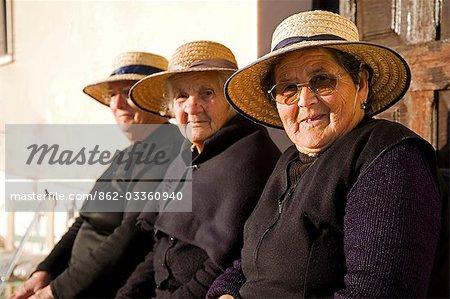 Ladies in portuguese