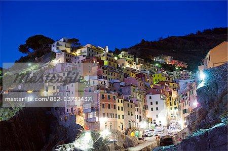 Italy, Liguria, Cinque Terre, clifftop village of Riomaggiore