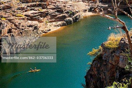 Australia, Northern Territory, Katherine.  Canoeing the Katherine Rver in Nitmiluk (Katherine Gorge) National Park.