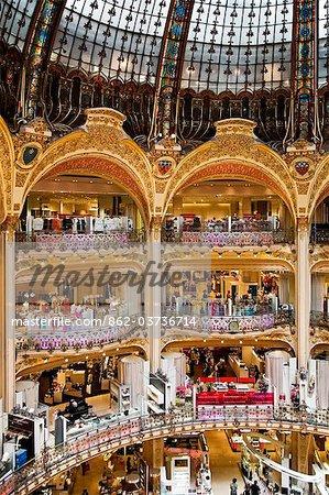France, Ile De France, Paris, main atrium in the Gallery Lafayettes shop.