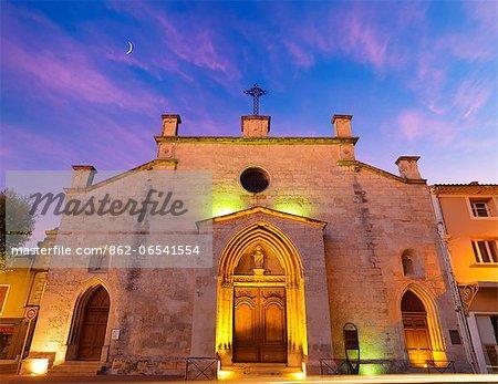 France, Provence, Orange, Eglise Saint Florent at dusk