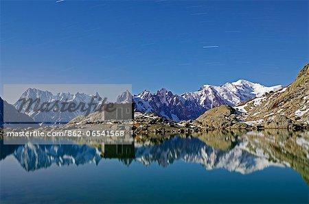 Europe, France, French Alps, Haute Savoie, Chamonix, Lac Blanc at night