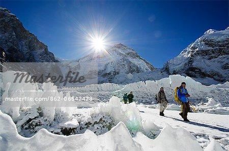 Asia, Nepal, Himalayas, Sagarmatha National Park, Solu Khumbu Everest Region, ice pinnacles near Everest Base Camp
