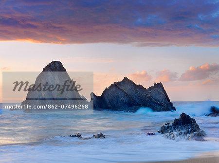 Spain, Basque, Ondarroa, rock formations at sea