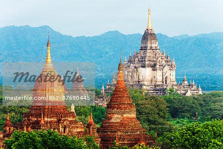 South East Asia, Myanmar, Bagan, pagodas on Bagan plain and Thatbyinnyu Pahto temple