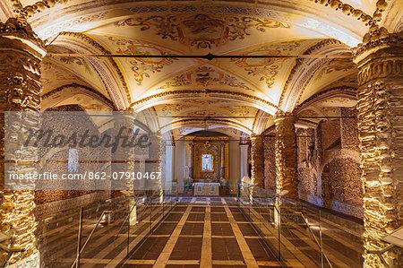 Portugal, Alentejo, Evora, Chapel of bones (Capela dos Ossos)