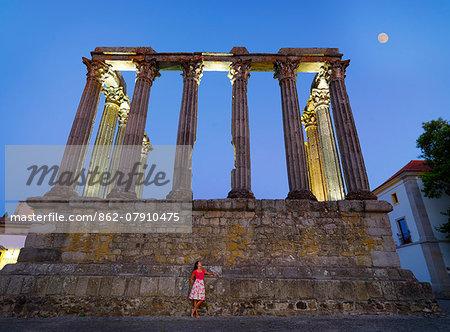 Portugal, Alentejo, Evora, Roman temple of Diana (MR)