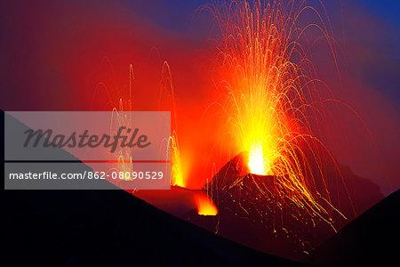 Eruption of the volcano Stromboli Stromboli, Aeolian, or Aeolian Islands, Sicily, Italy, Europe