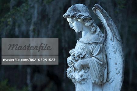 USA, Georgia, Savannah, Bonaventure Cemetery, gravestone