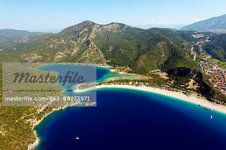 Turkey, Mediterranean, Aegean Turquoise coast, Oludeniz near Fethiye, Blue Lagoon & Belcekiz beach